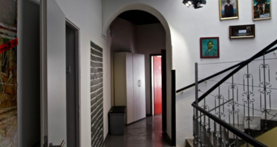 The new HI hostel AVA is located in the city centre in a beautiful old town house.